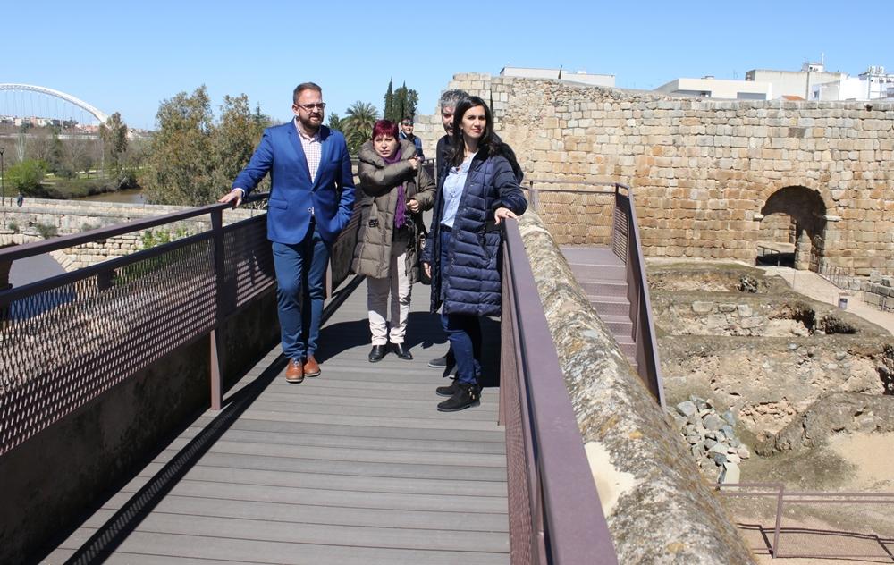 Unos 60.000 euros invertidos en las obras de adecuación del adarve de la Alcazaba