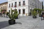 """Se inicia la instalación del vallado """"Mérida"""" en el contorno de la Plaza de España"""