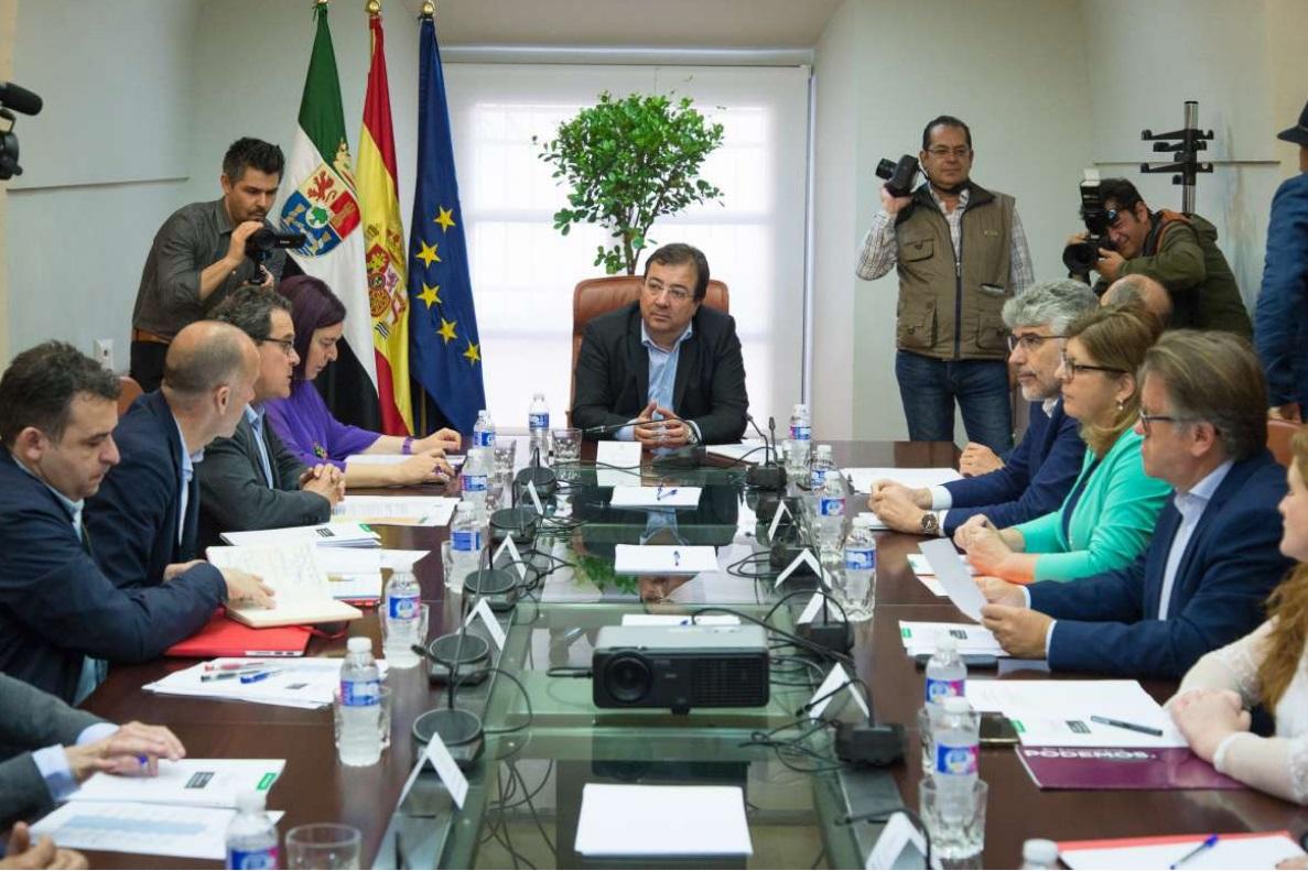 La Junta espera que el Gobierno licite antes de junio las grandes actuaciones del ferrocarril pendientes