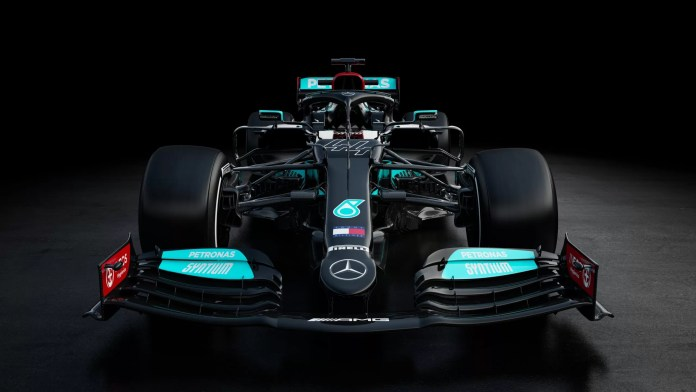 formula-mercedes-bolid-botas
