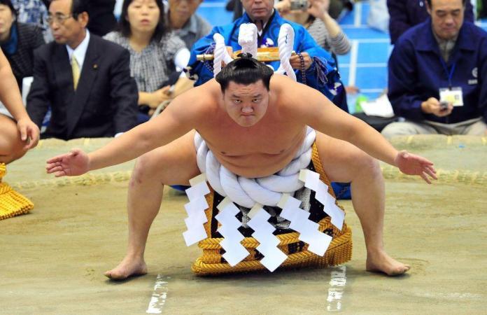 hakumo-sumo rvač-kraj karijere