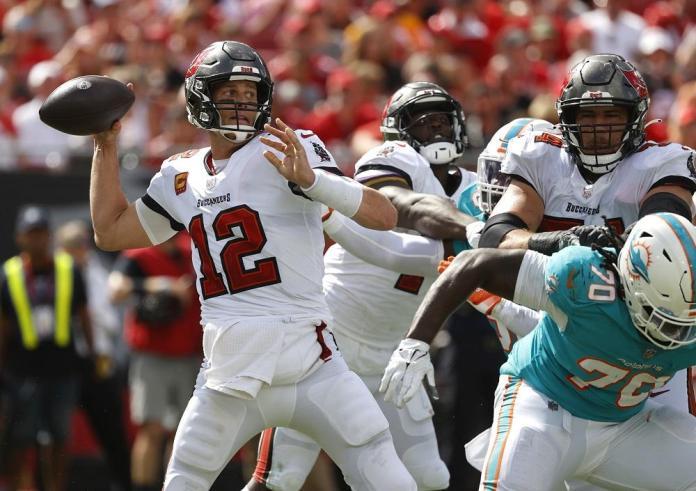 NFL-Tom Brejdi-Bakanersi