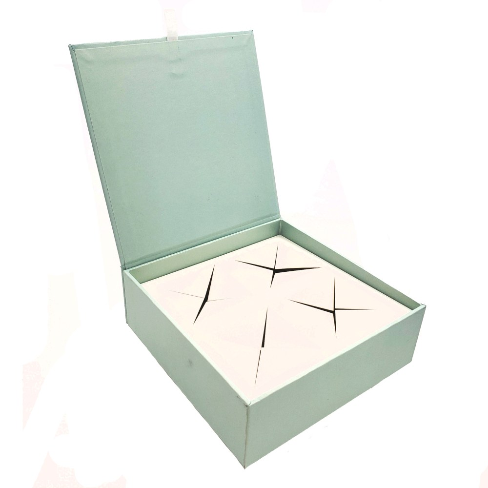 Rigid Hinged Magnetic Box with Paper Blister