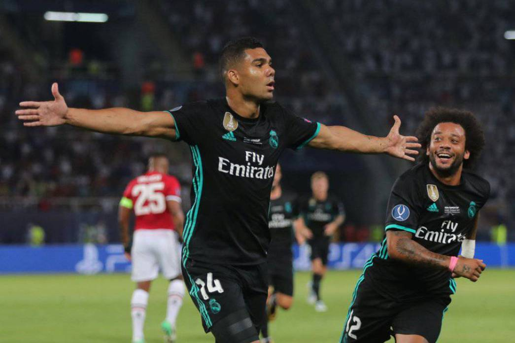 Casemiro corre a celebrar el primer gol del partido | Real Madrid 2-1 Manchester United