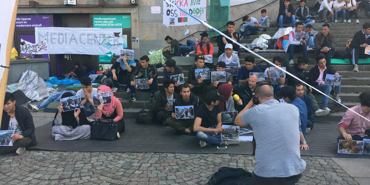 Medborgarplatsen – dygnetrunt skådeplats för icke-medborgares demonstration
