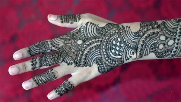 52 - Full-back-hand-Arabic-mehndi-design