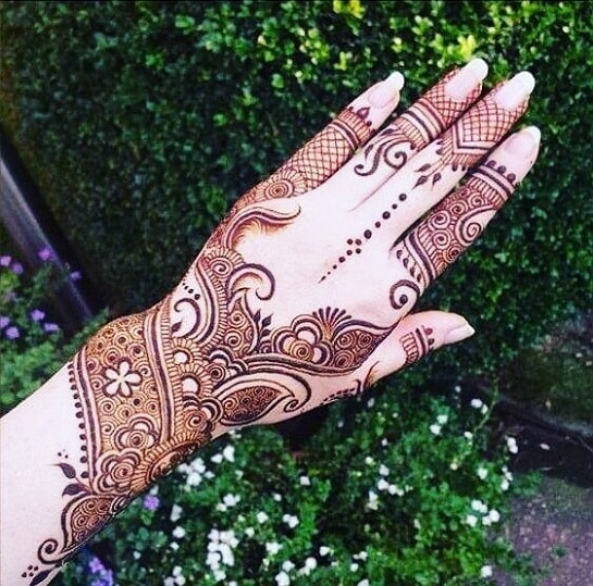 97 Stylish-Back-hand-Arabic-Mehndi-design