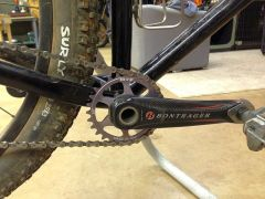 My first carbon (gasp) crankset. Pretty nice and beefy looking i must say.
