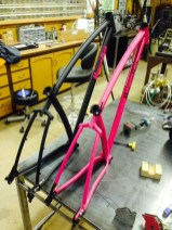 Two 29ers w/142x12 axle on the sliders, internal routing for all cables including dropper post. 415 chainstays for XX1.