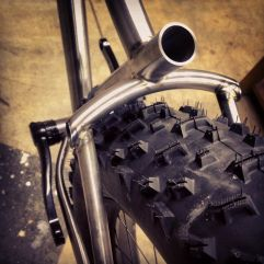 "3/4"" x 0.035 bent on the Anvil 5.375"" radius mandrel. 5/8"" x 0.028"" wishbone legs bent on the HF roller."