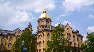 Main_Building_at_the_University_of_Notre_Dame