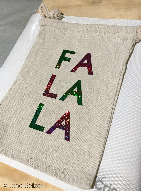 FA LA LA DIY Holiday Gift Bags with Cricut