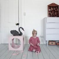DIY Swan Valentine Box