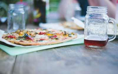 Throw a Backyard Make Your Own Pizza Party
