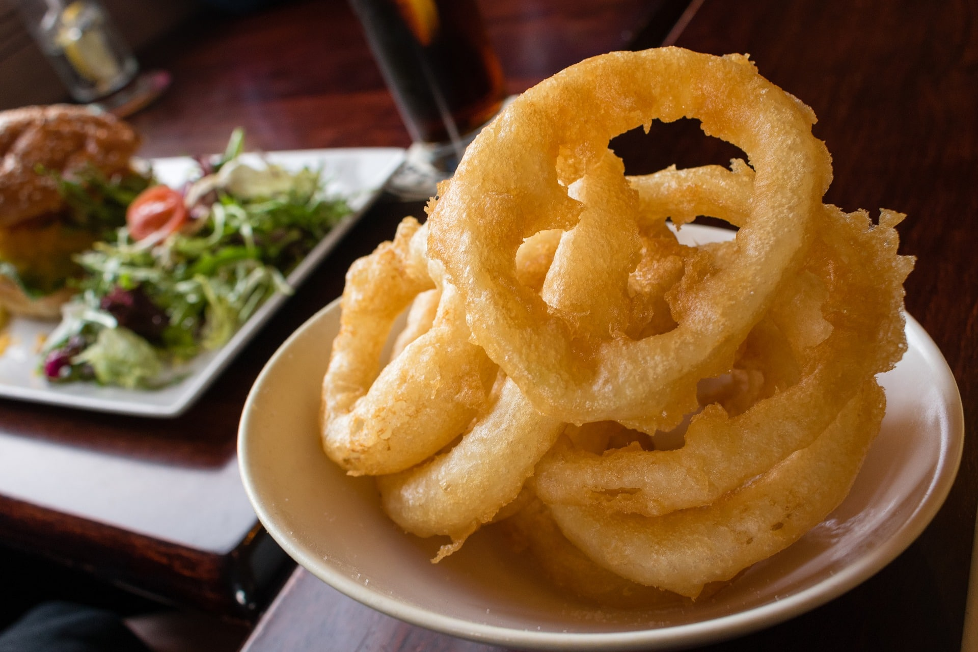 Homemade Onion Rings Recipe via @mermaidsandmojitos