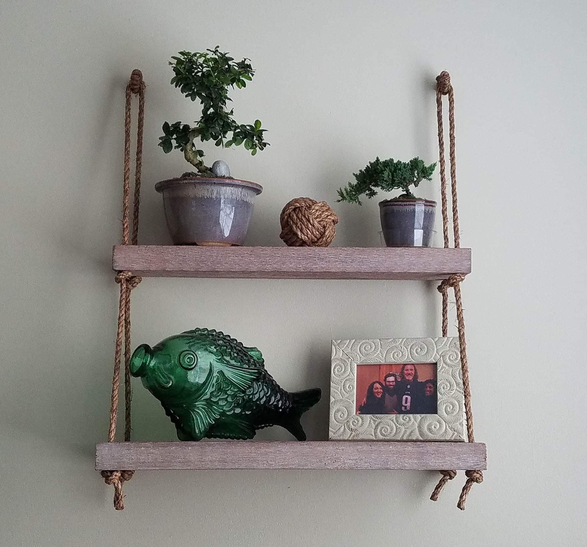 Easy DIY Hanging Rope Shelf via @mermaidsandmojitos