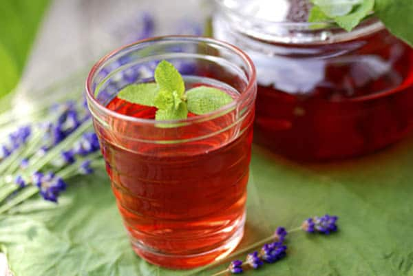Refreshing red hibiscus iced tea
