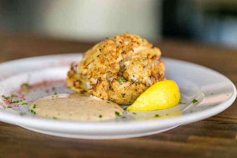 Jumbo crab cake with New Orleans remoulade