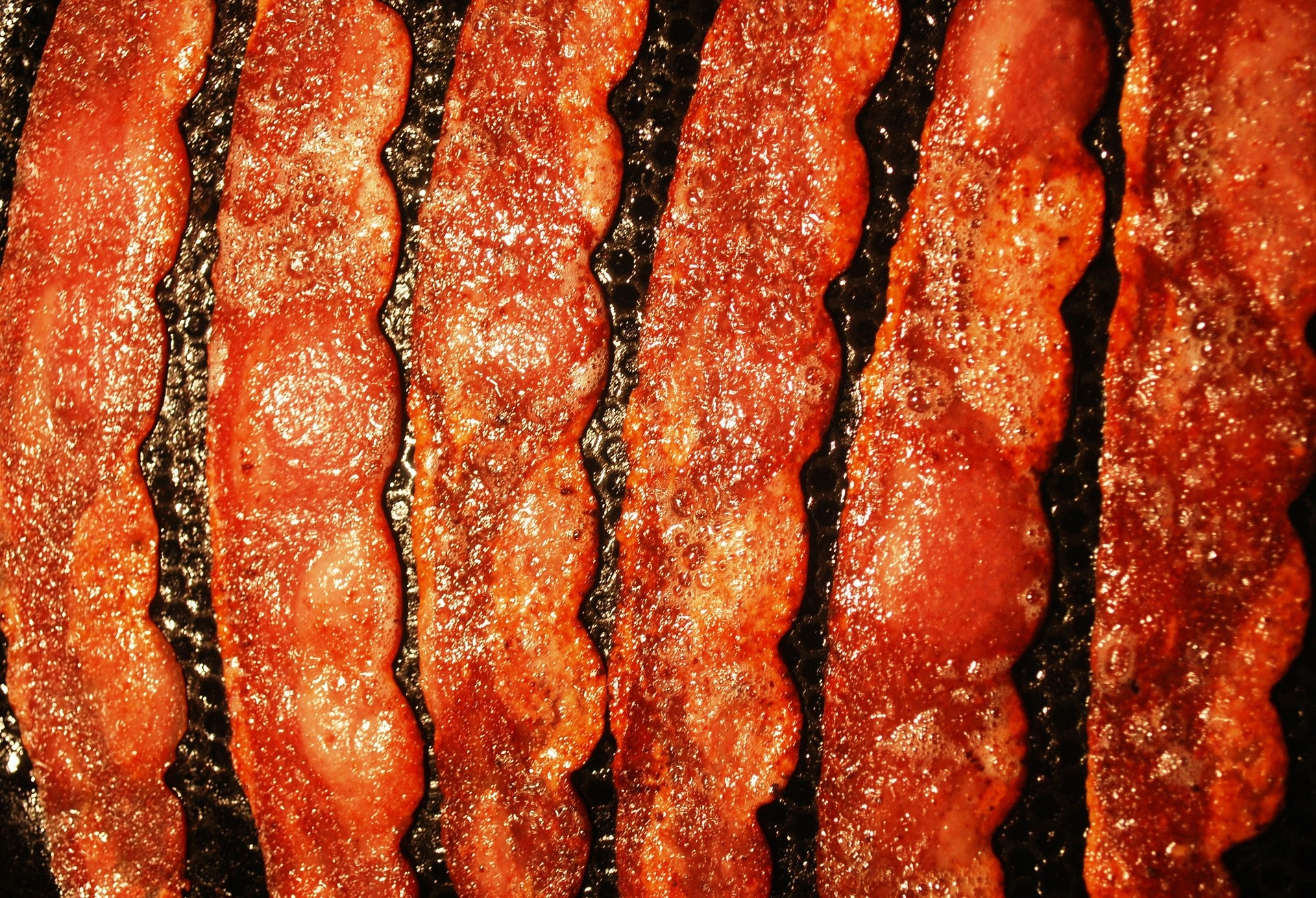 The Secret to Make Perfectly Crisp Bacon via @mermaidsandmojitos