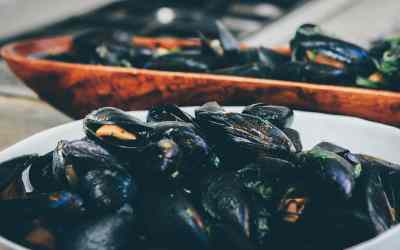 Steamed Spicy Thai Mussels