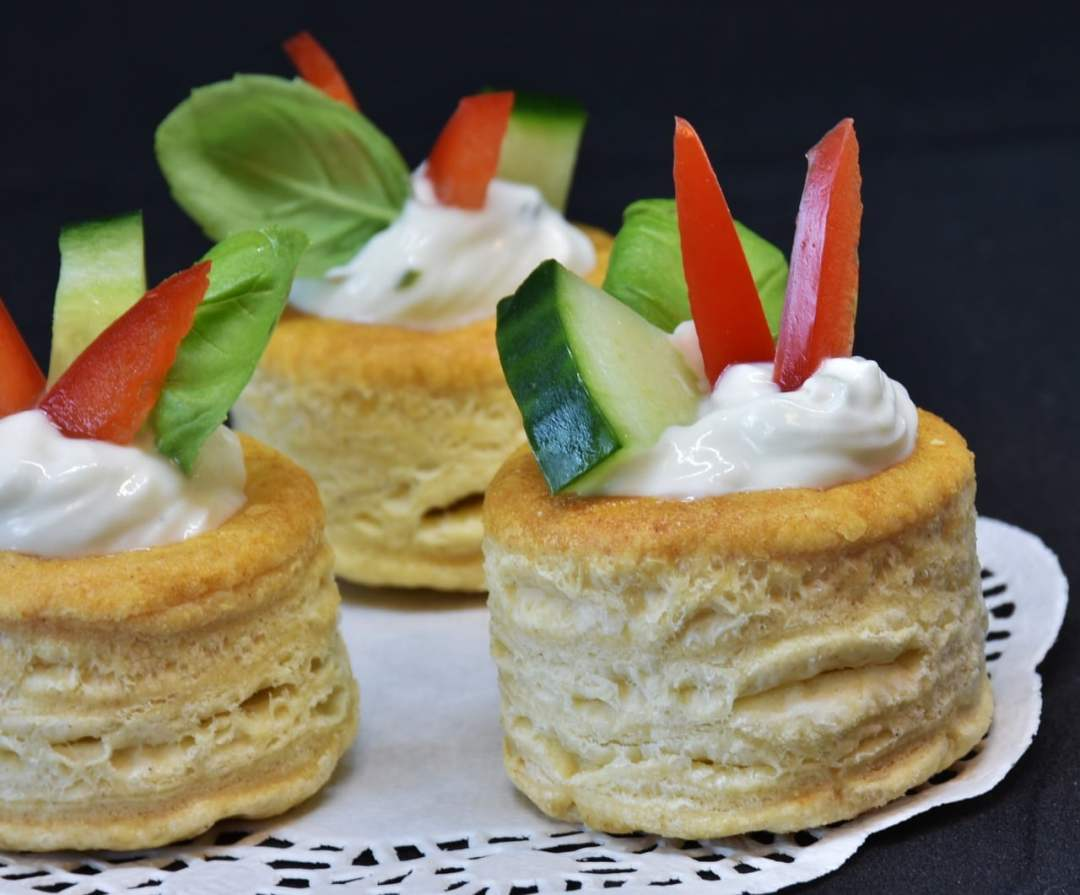 cream cheese and hot pepper jelly biscuit cups