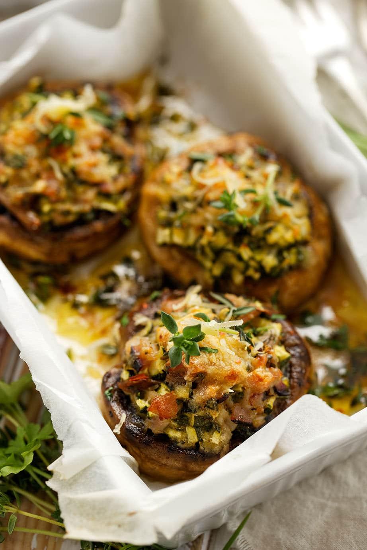 Crab Stuffed Portabella Mushrooms via @mermaidsandmojitos