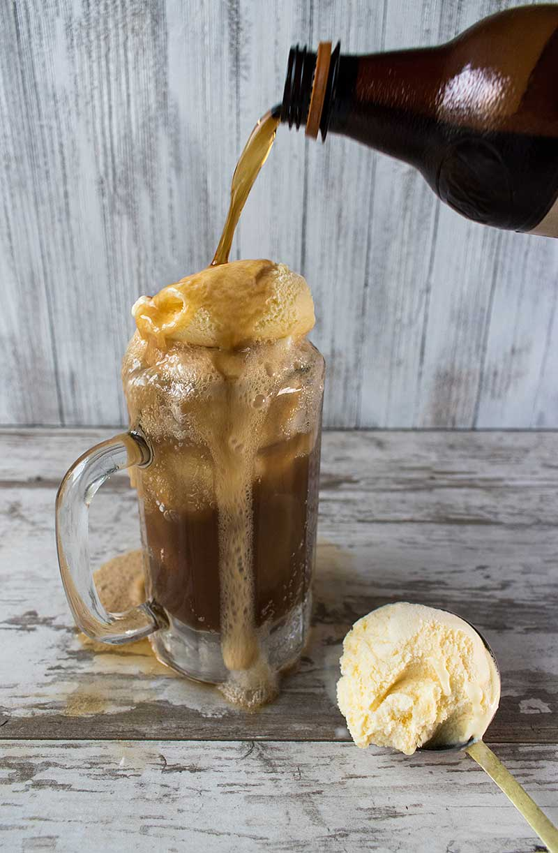 Root Beer Bourbon Ice Cream Float via @mermaidsandmojitos