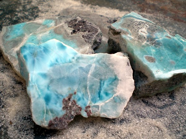 Learn About Larimar From The Dominican Republic With Kim Gough