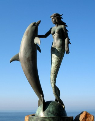 Mermaid & Dolphin at Acapulco's Sinfonia del Mar