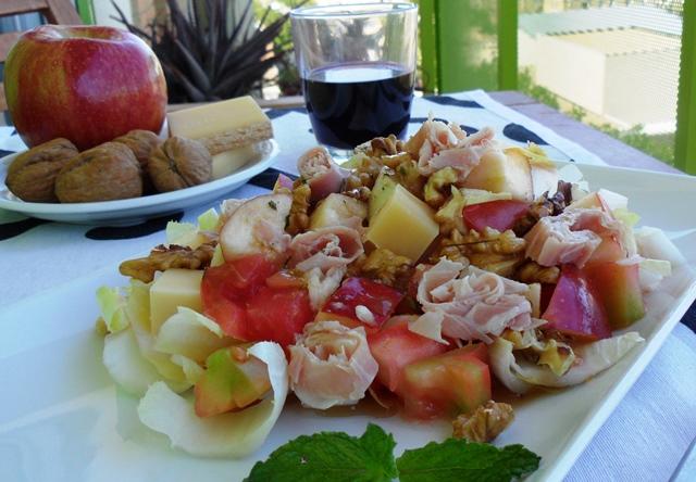 Ensalada francesa de endivas,manzana y nueces.
