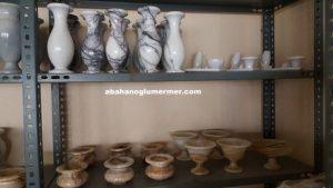 cizgili damarlı mermer vazo