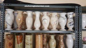 beyaz doğal taş vazolar