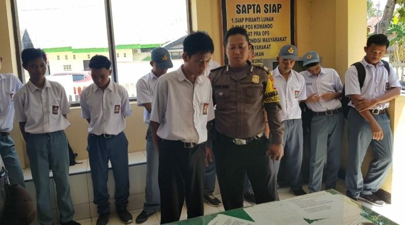 Operasi Kasih Sayang. Polsek Mattiro Sompe Pinrang jaring puluhan pelajar di jam sekolah