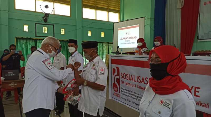 Cegah Covid-19, PMI Gelar Sosialisasi 3 M di SMK Negeri 2 Pinrang.