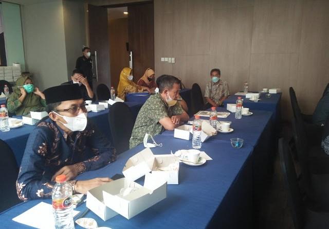 DPRD Barru Gelar FGD, di Makassar
