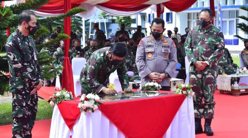 Kompak, Panglima dan Kapolri Kunjungi Lembaga Pendidikan TNI dan Polri
