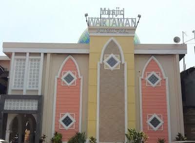 Sisi Lain Raker PWI Sulsel (2) Bisa Salat On Time di Masjid Wartawan