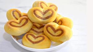 Heart Dinner Rolls / Heart shaped Dinner rolls