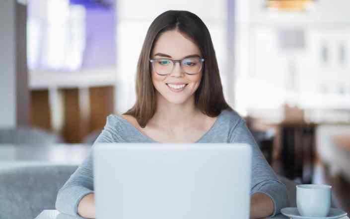computer-labtop-girl
