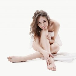 Make money selling feet pictures for fetish happy woman barefeet smiling