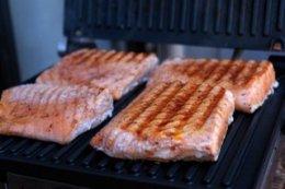 grilled-salmon-with-avocado-salsa-prep-4