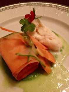 The starter – tofu with cream foam and a pesto dressing. Don't miss the fancy gold rimmed/gilded plate.