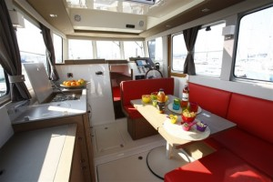 interieur-bateau-rhea-30-evolution-569x380