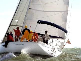 équipage sur un voilier