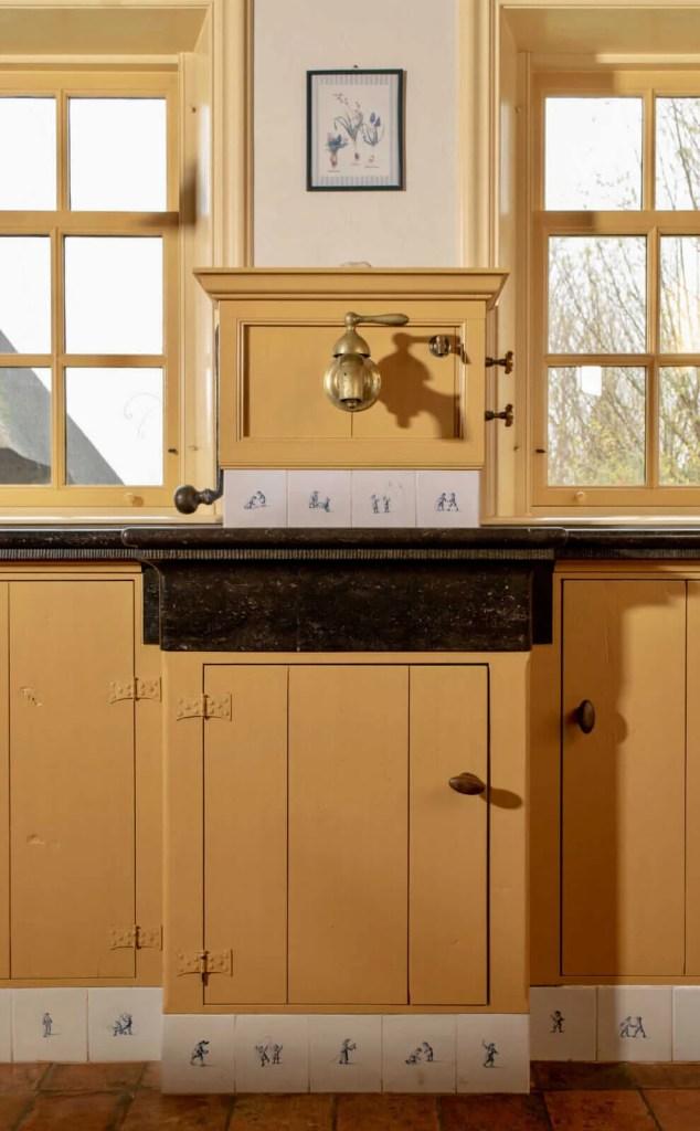 Oudhollandse keuken Hooge Zwaluwe pomphuis belgisch hardsteen