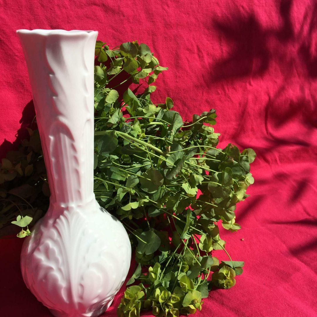 Vase-en-porcelaine-blanche