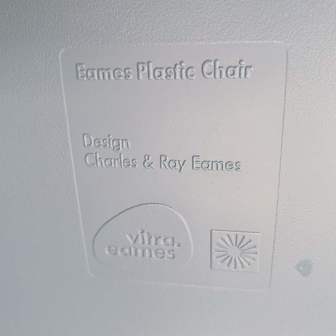 Dames plastic chair océan