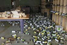 http://www.sfgate.com/bayarea/article/Winemakers-evaluate-Napa-earthquake-damage-5708999.php#photo-6767159