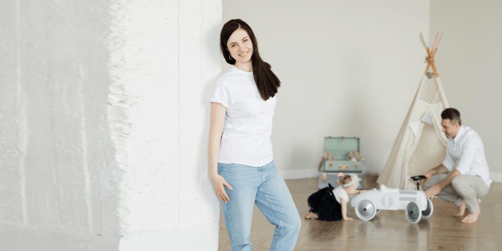 Mom T shirt White Jeans style Girl Single