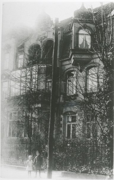 The family house in Waldhausensrtasse